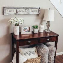 entry table decor